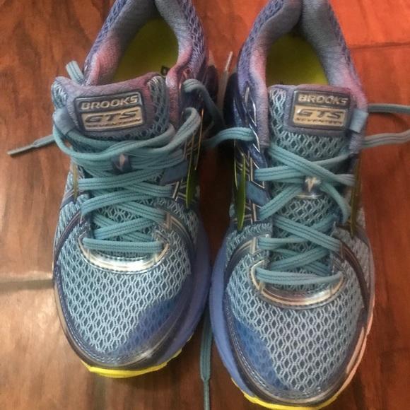 Brooks scarpe 17   New Adrenaline Gts 17 scarpe   Poshmark 4cecb2